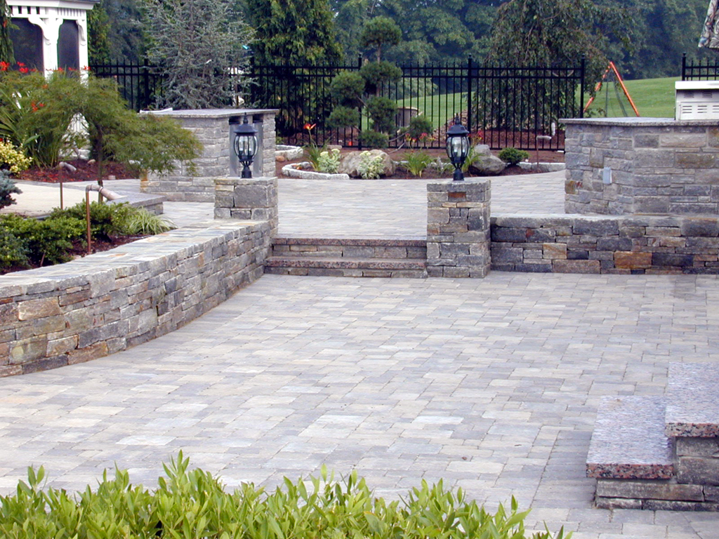 Backyard Ideas Brick Paver Retainer on home backyard ideas, brick paver fire pit, brick retaining wall backyard ideas, brick paver landscaping, flagstone backyard ideas, used brick backyard ideas, masonry backyard ideas, concrete backyard ideas,